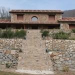 Escalera exterior de piedra